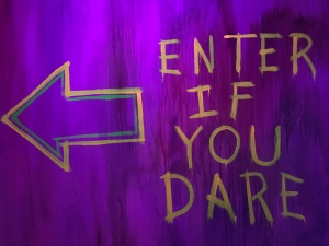 Enter If You Dare Sign in Halloween Horror Nights