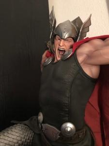 Marvel Thor Sideshow Statue